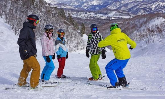 Hakuba Happo One HISS Group Lessons